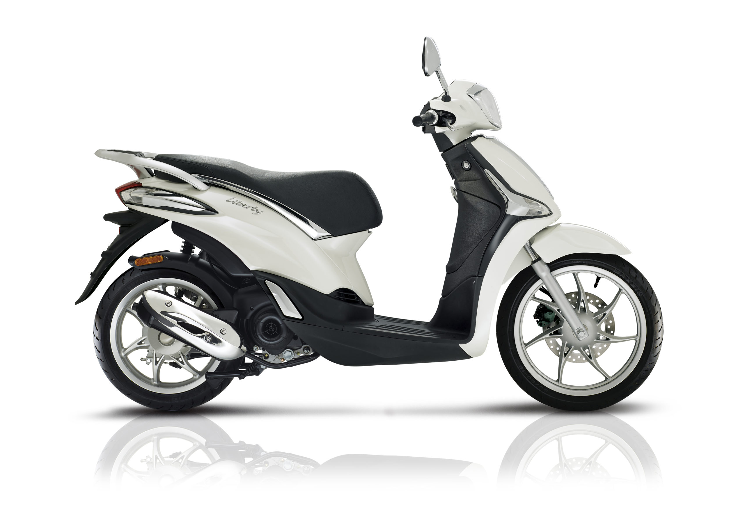 Piaggio Liberty 125 50 side white scaled